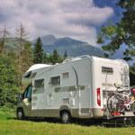 Ob im Urlaub beim Campen oder Zuhause, eine Miniwaschmaschine kann in beiden Fällen sinnvoll sein